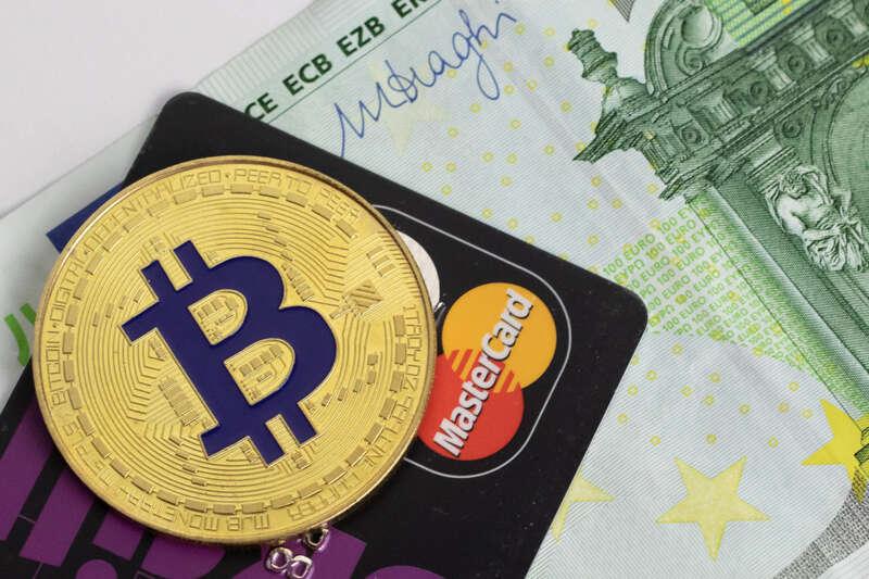 tirgo bitcoin ar 100 eur bināro opciju jā vai nē