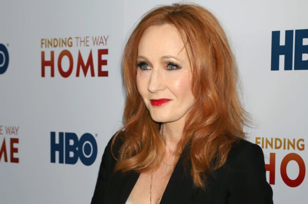 JK Rowling Asks About Bitcoin. Accursed Crypto Twitter Scares Her Off